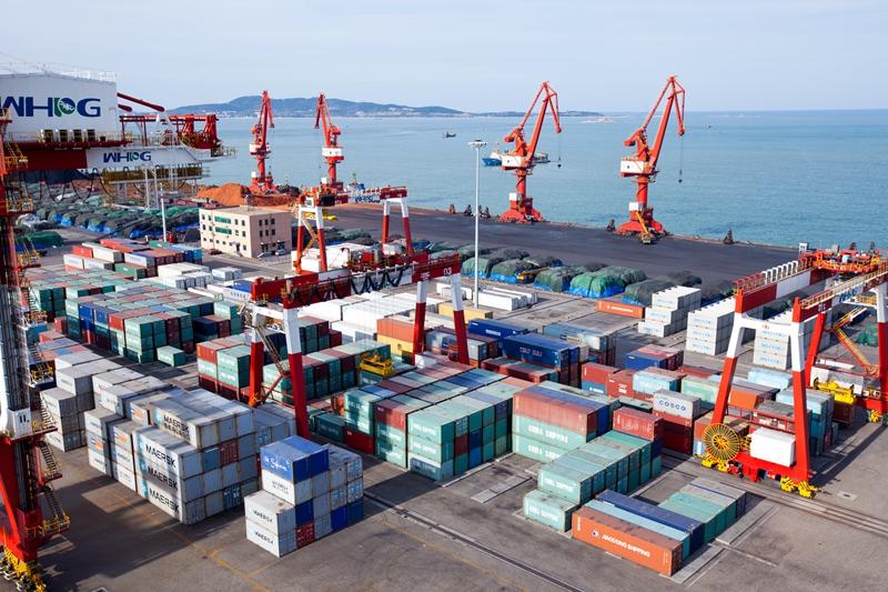 《蓝色经济对话》走进威海港集团
