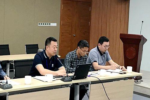 党委副书记、纪委书记毕伟为管理二支部作专题党课报告
