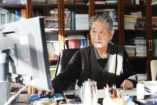 几经协调,《中国黄金报》记者终于和中国科学院院士、我国著名海洋地质与地球物理学家刘光鼎,商定好了具体的采访时间。因为他实在太忙了,要抽出一整段时间进行专访,确实不易。