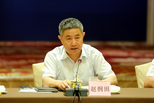 """山东省依法拆解销毁海洋涉渔""""三无""""船舶和禁用渔具"""