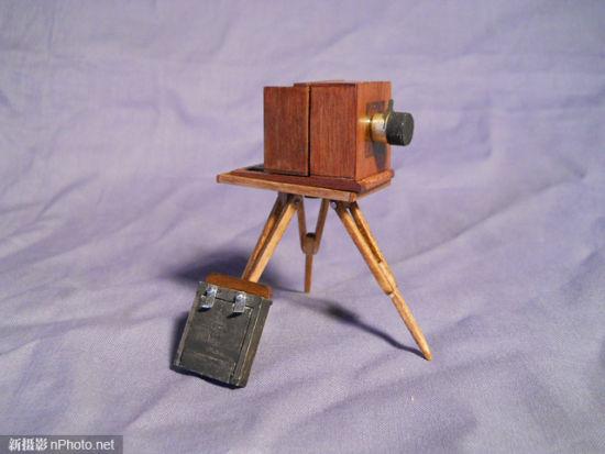 18世纪古老摄影技术 世界上较小的湿版相机图片