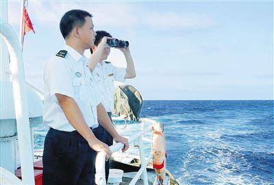 海南海事局开展海上搜救。