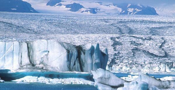外媒:中国北极雄心在冰岛成形 获该国多次帮助